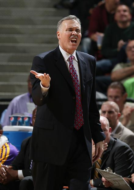 Head Coach Mike D'Antoni argues with the referee during the Lakers' loss, 113-97, to the Sacramento Kings on Wednesday.