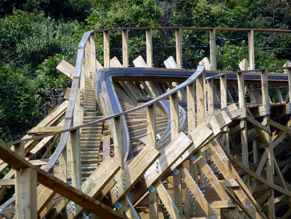 The new wooden coaster at California's Great America would feature terrain-hugging S-curves. (Shown: Mountain Flyer at China's Knight Valley)
