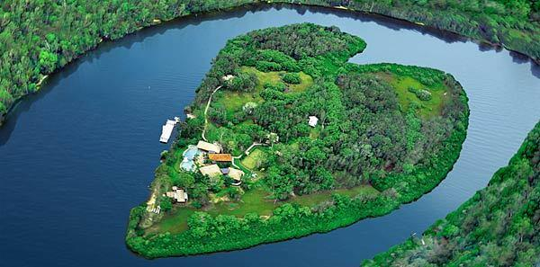 Makepeace Island was developed in 2009 as a private getaway for owners Richard Branson, founder of Virgin Group, and Brett Godfrey. The island located on the Noosa River in Queensland, Australia became available for exclusive booking last July. It can accommodate up to 22 people and includes a swimming pool, spa, outdoor cinema and tennis court.
