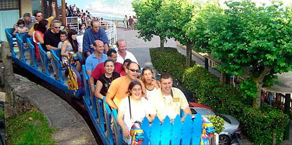 Built in 1928 at Monte Igueldo Park in San Sebastian, Spain, the Montana Suiza scenic railway-style steel coaster features an onboard brakeman.