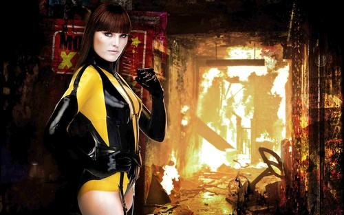 <b>Silk Spectre II (Malin Akerman):</b> Beautiful and one of the best fighters in the world, but she didn't want the hero job (she inherited it from her mother), nor did she expect to fall in love with the increasingly inhuman Dr. Manhattan.