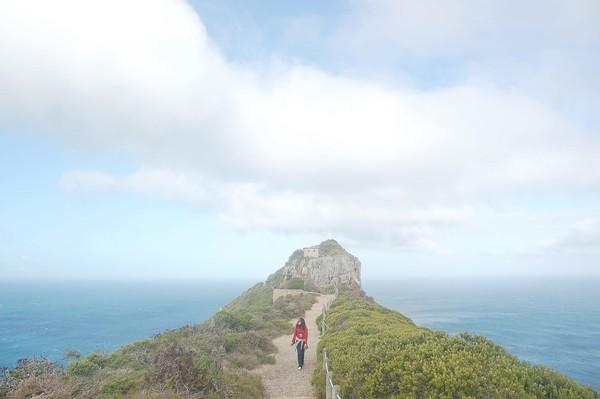 Cape Point isn't the southernmost tip of Africa (it's the southwesternmost), but because of its dramatic shape, it's where you sense the continent running out. For dramatic views, hit the pathways, such as the Light House Keepers Trail.