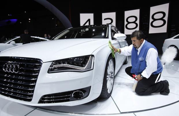 Melvin Orellana details an Audi A8L TDI, which features a TDI clean diesel engine.