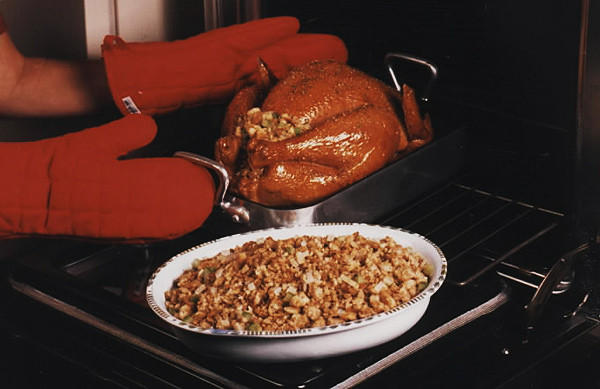 "<a href=""http://www.latimes.com/theguide/holiday-guide/food/la-thanksgiving-stuffing,0,1059507.story"" target=""_blank"">Traditional bread stuffing is a welcome sight at any Thanksgiving feast. Click here for the recipe.</a><br> <br> <b>RELATED</b><br> <br> <a href=""http://www.latimes.com/features/food/thanksgiving/"">More holiday recipes from the L.A. Times Test Kitchen</a>"