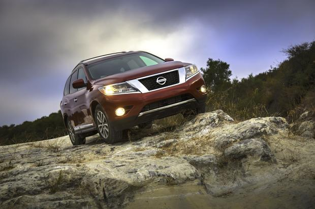 The Pathfinder pairs a continuously variable transmission -- the kind with no fixed gears -- with a 3.5-liter V-6 engine that produces 260 horsepower and 240 pound-feet of torque.