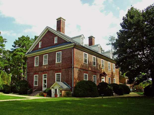 Berkeley Plantation, which dates to 1726 and is the ancestral home of two U.S. presidents, occupies a site overlooking the James River in Charles City, Va.