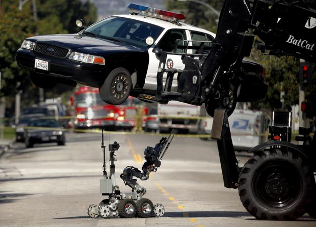 LAPD patrol car searched for bomb - LA Times