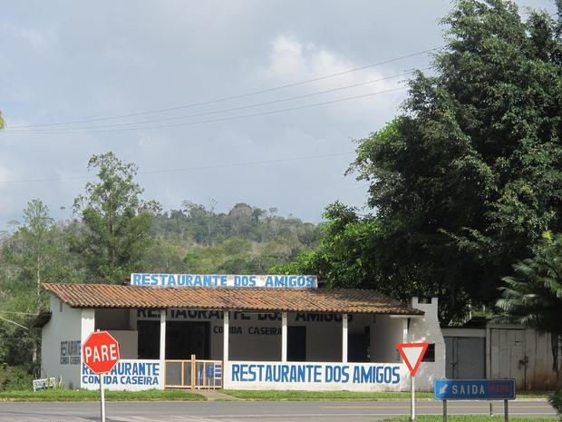 Dos Amigos restaurant, as seen from a bus on the way to Salvador.