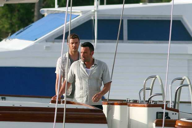 "Ben Affleck and Justin Timberlake on location filming ""Runner, Runner"" in San Juan, Puerto Rico."
