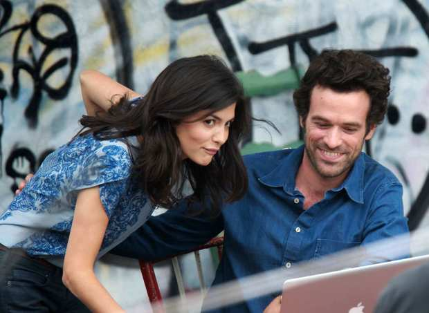 "Audrey Tautou and Romain Duris  on location in Manhattan for ""Chinese Puzzle."""