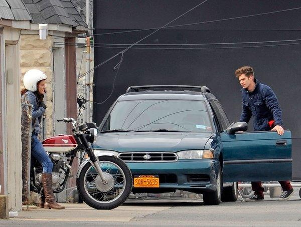 "Shailene Woodley and Andrew Garfield film a scene for ""The Amazing Spiderman 2"" in Brooklyn."