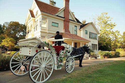 <b>Ardenwood Affairs, Fremont</b><br> <br> This is a day-use site in San Francisco's East Bay that offers weddings, with a horse-drawn carriage, from $1,200 to $2,200.