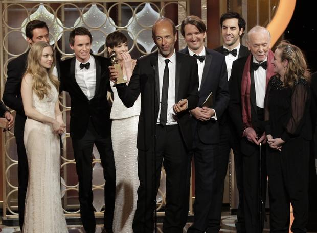 "The cast and crew of ""Les Misérables"" accept the Golden Globe for best picture, comedy or musical."