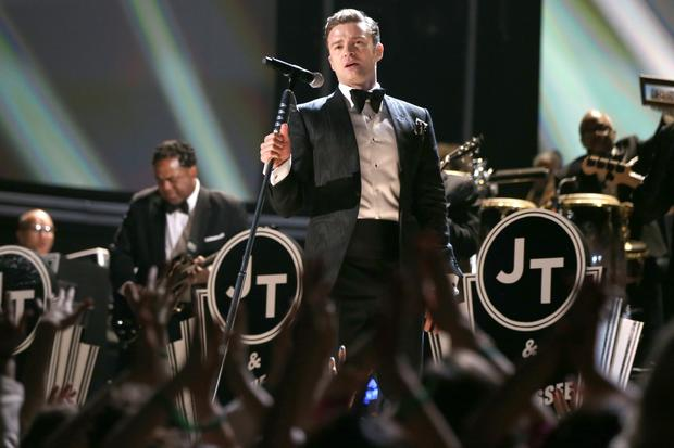 "Justin Timberlake's much-hyped return to live performances featured a 1940s-style staging of his new song ""Suit & Tie"" broadcast in black and white (to accentuate the old-timey-ness) with an assist from Jay-Z, who bizarrely joined the fun directly from his front-row seat. While the performance drew considerable praise from within Staples Center, many in the TV audience wished it was catchier."