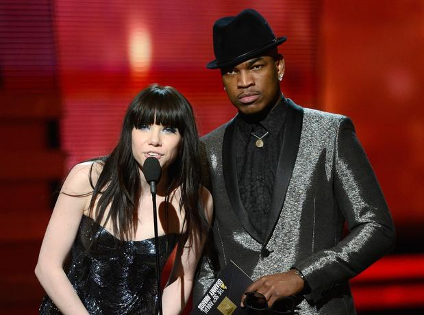 Carly Rae Jepsen, left, and Ne-Yo present the award for rap/sung collaboration.