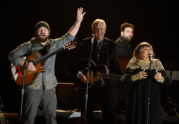 "Zac Brown, T Bone Burnett and Mavis Staples perform ""The Weight,"" accompanied by Elton John, Marc Mumford and Brittany Howard in a tribute to Levon Helm."