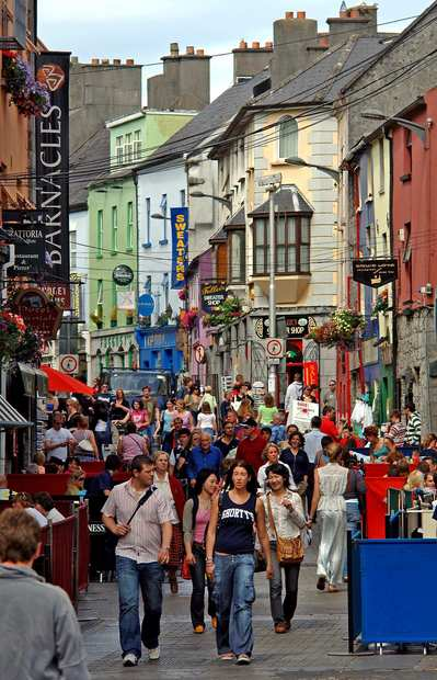 The pedestrian mall in Galway is a busy, bustling place.