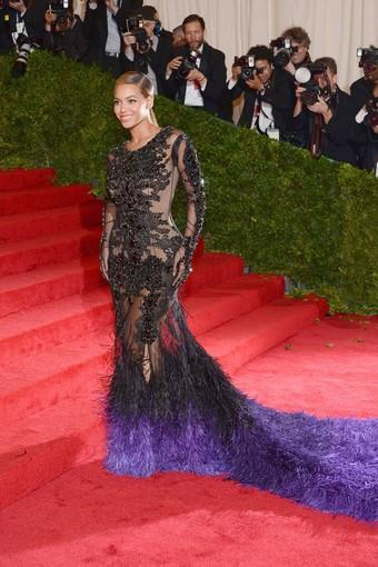 Beyonce Knowles in a Givenchy Haute Couture gown.