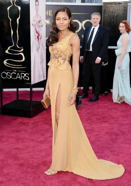 Oscars 2013 red carpet: Naomie Harris wears an eco-friendly dress, winner of the Red Carpet Green Dress Challenge, on the red carpet.