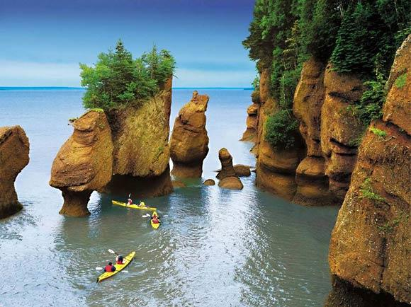 The bay is a picturesque body of water with impressive rock formations, marine diversity and fossil deposits. But what makes it unique are its remarkably high tides: More than 100 billion tons of water rush in and out every day. The tides measure 53 feet, the highest in the world, according to Terri McCulloch, executive director of the Bay of Fundy Tourism Partnership.