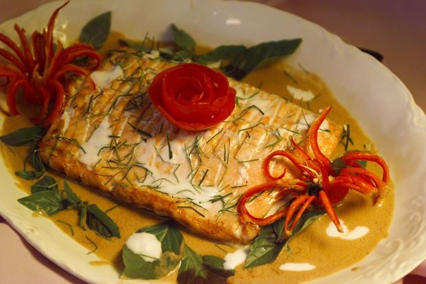 "<a href=""http://www.latimes.com/features/food/la-fo-salmon-s,0,7908110.story"" target=""_blank""><b>FROM 1998:</b> Salmon in sweet red curry sauce. Click here for the recipe.</a>"