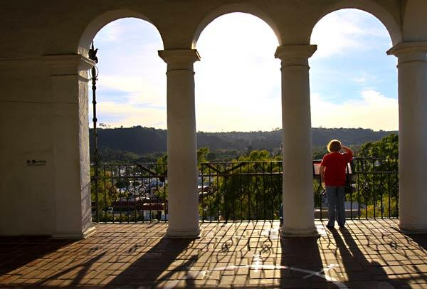 Spectacular views of Santa Barbara can be seen from the Santa Barbara County courthouse clock tower. Admission is free.