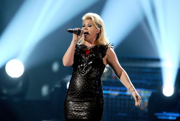 "Kelly Clarkson performs snippets from ""Miss Independent,"" ""Since You've Been Gone,"" ""What Doesn't Kill You"" and more."