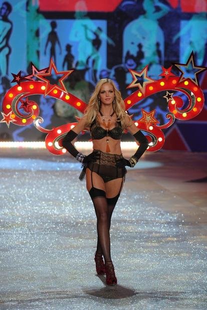 Erin Heatherton walks the runway.