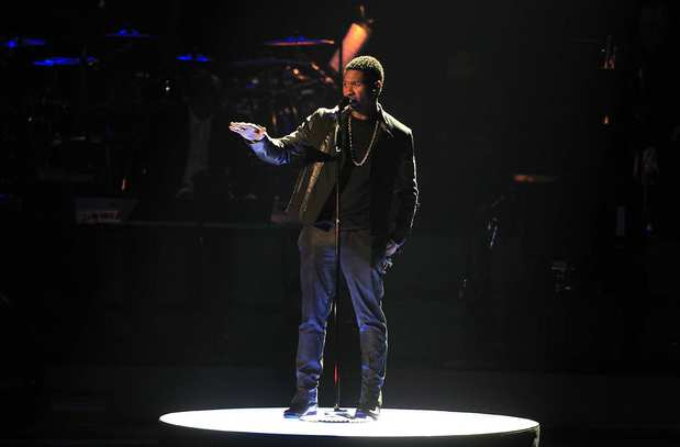 "Usher sings ""I Believe in You and Me."""