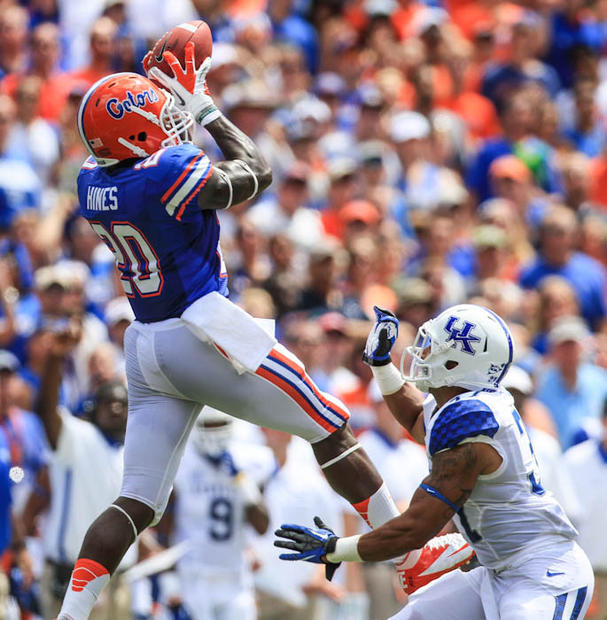 Florida tight end Omarius Hines (20) hauls in a pass for a 61 yard gain during second quarter action of their game against Kentucky at Ben Hill Griffin Stadium on Saturday, September 22, 2012 in Gainesville, FL.