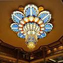 Disney Dream pictures -- chandelier in the atrium lobby