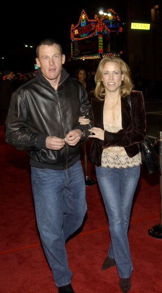 Sheryl Crow and Lance Armstrong attend the Los Angeles premiere of Universal Pictures' film 'Along Came Polly' on January 12, 2004.