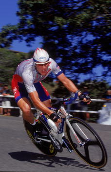 Lance Armstrong speeds down the road in the Mens Road Individual Time Trial to win the Bronze Medal during the Sydney 2000 Olympic Games in Sydney, Australia.