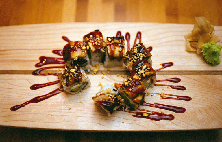 Tank Sushi 4514 N Lincoln Ave