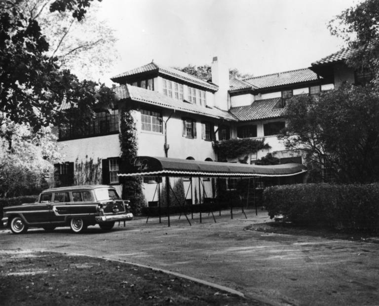 Oct 3 1955 Once The Cary Estate Of Magnate John Hertz Founder