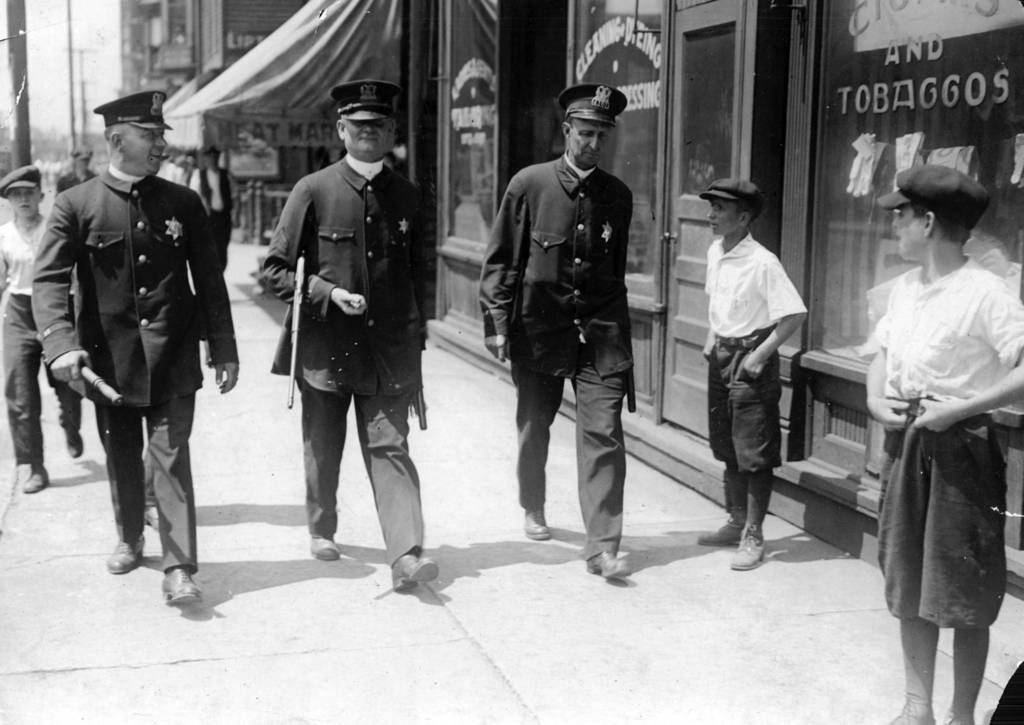 Review of the race riot chicago in the red summer of 1919