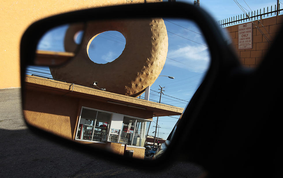 Caption: Dale's Donuts, located on the southeastern corner of Atlantic Boulevard and Alondra Boulevard in Compton. (Luis Sinco / Los Angeles Times)