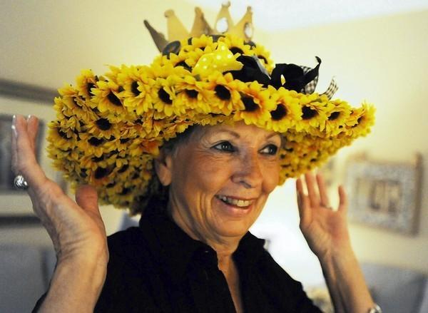 Preakness hats an annual event for Ellicott City designer - Baltimore Sun 21e971b8ccc