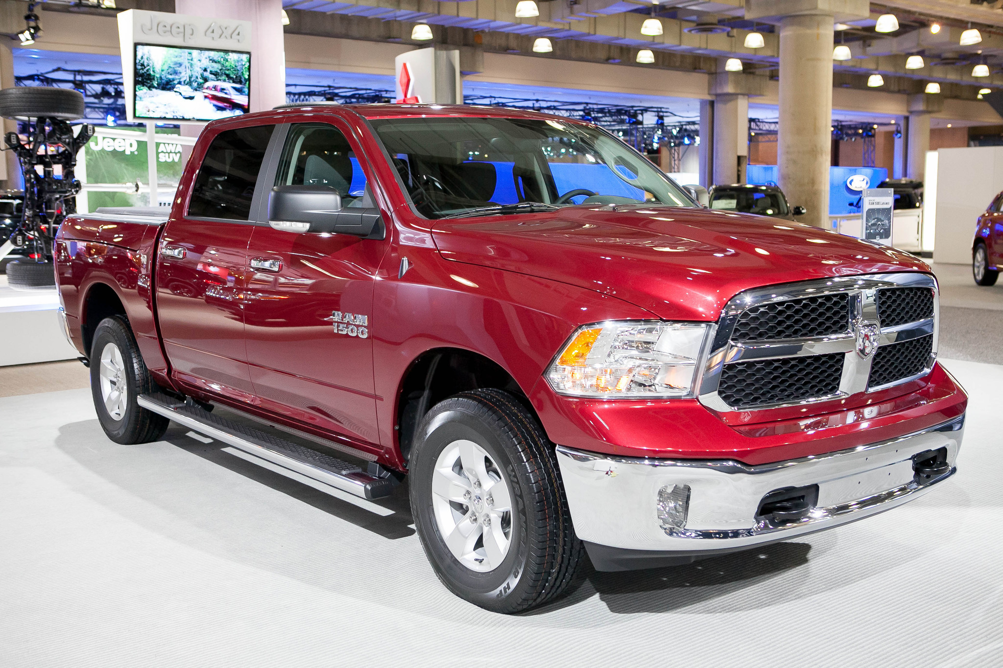2013 ram 1500 slt 4x4 pickup top notch fuel economy advanced features baltimore sun. Black Bedroom Furniture Sets. Home Design Ideas