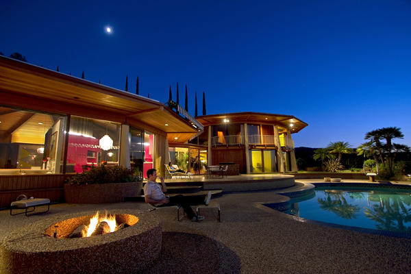 A Hilltop Encino House Where Circular Logic Works Latimes