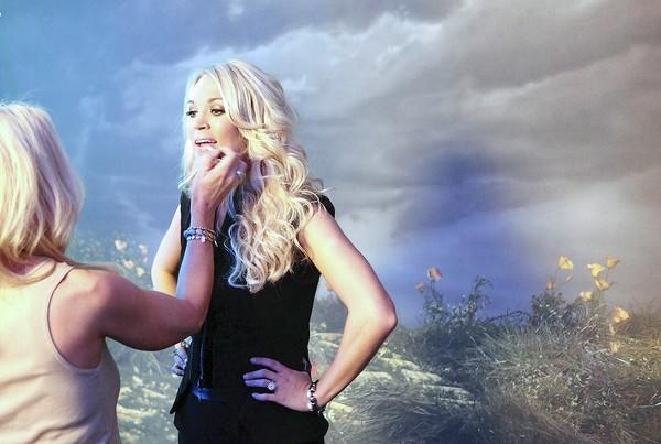 carrie underwood meet and greet tickets 2012