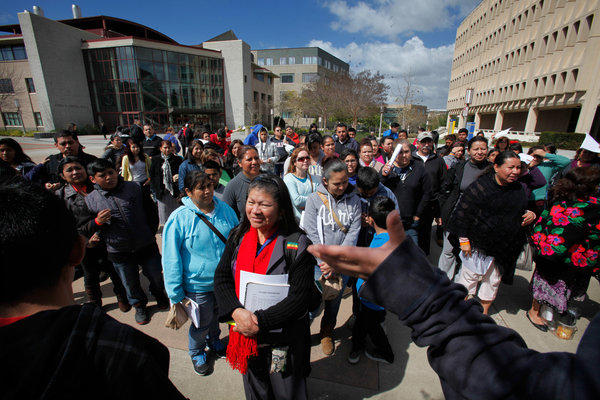UC accepts fewer Californians, more students from out-of ... Uc Irvine Campus Tour