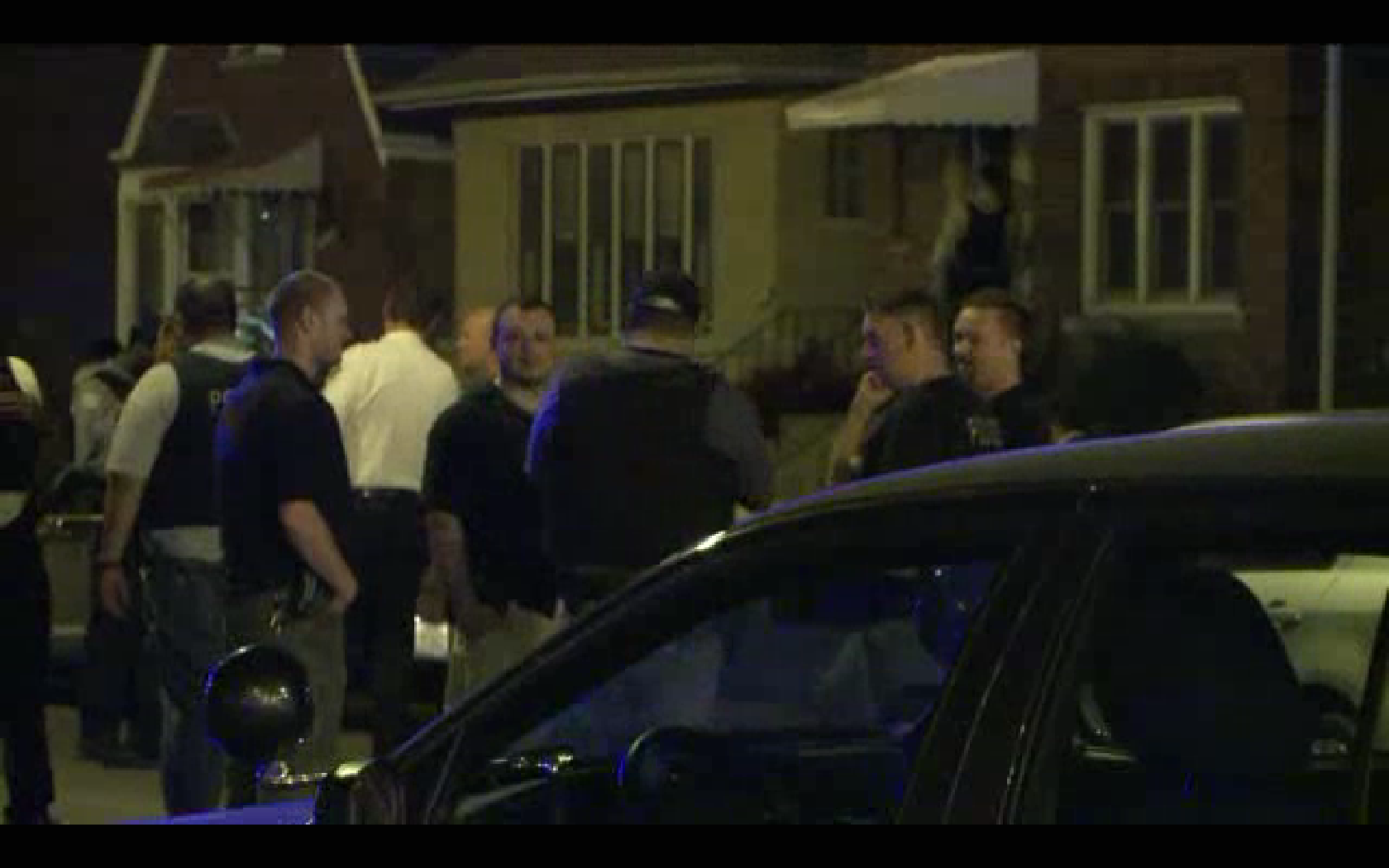Raw Video Scene At Shooting On 83rd Street Chicago Tribune