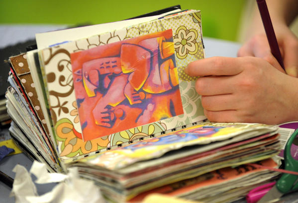 Creative Art Therapy May Relieve Anxiety For Cancer