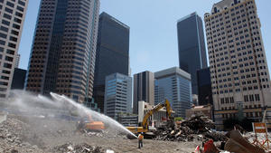 Demolition of the Wilshire Grand fascinates passersby
