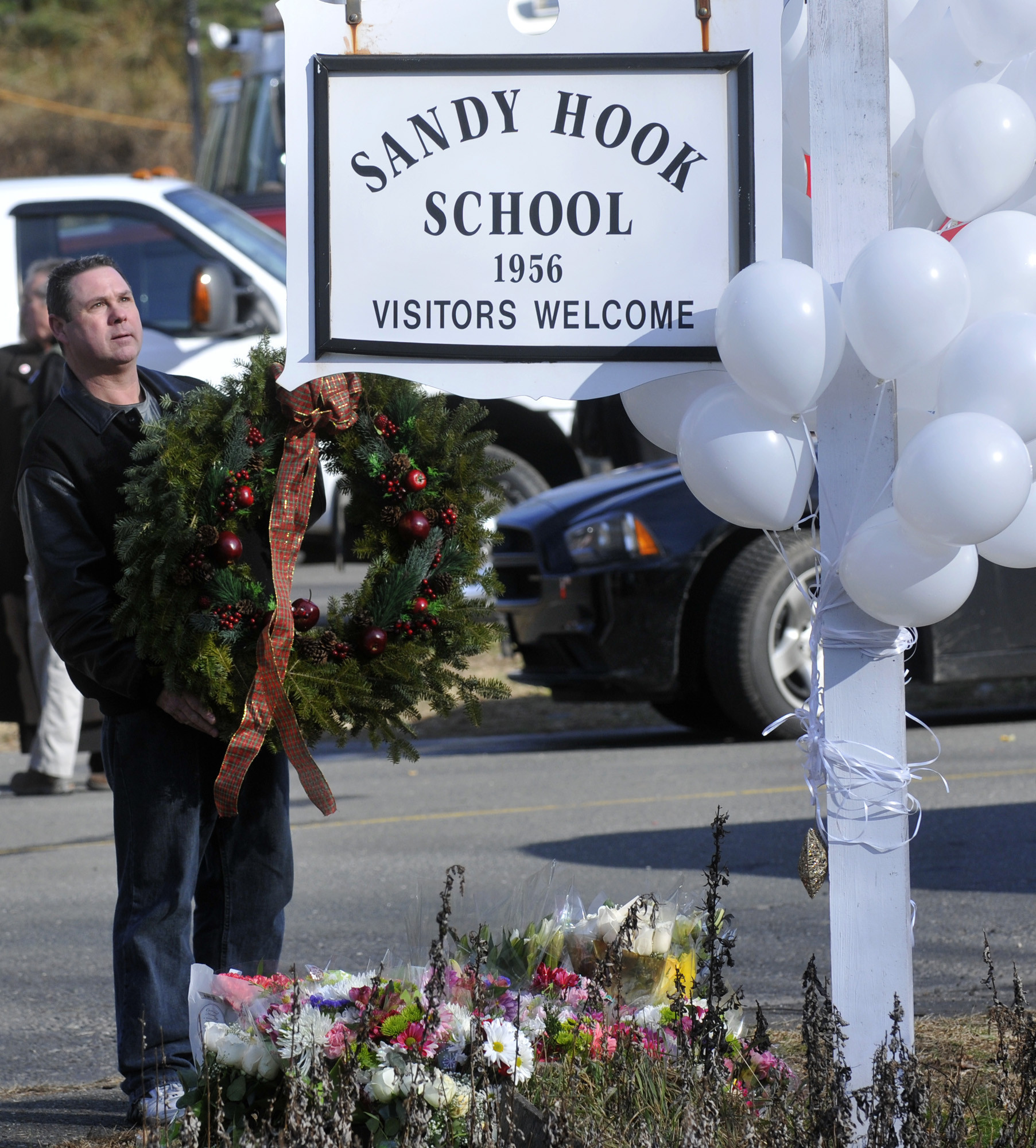 Sandy Hook Elementary School Articles, Photos, And Videos