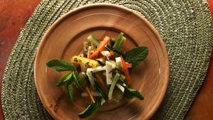 Cucumber, jicama and pepper salad with green olives