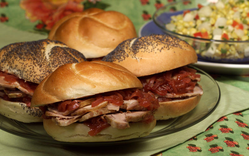 Chipotle pork sandwiches