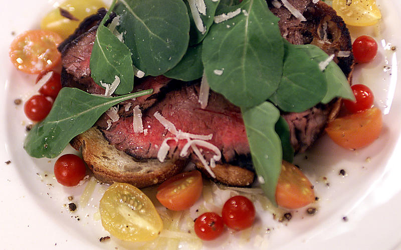Balsamic-Grilled Flank SteakWith Arugula and Cherry Tomatoes