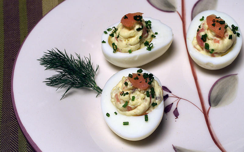 Deviled eggs with smoked salmon, fennel and capers